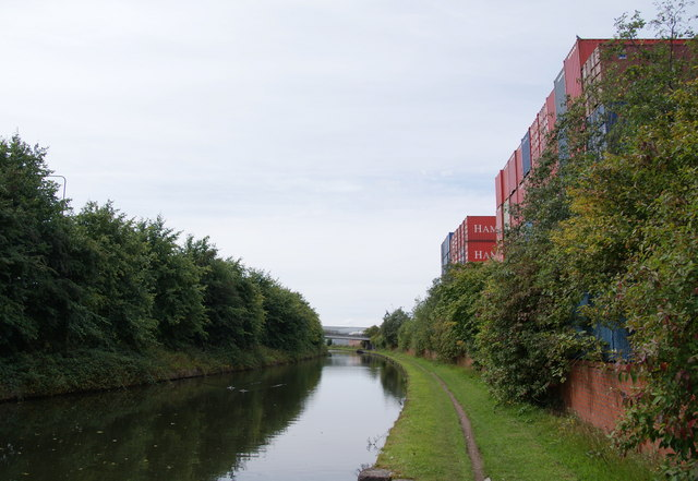 The Bridgewater Canal near the Eurofreight terminal