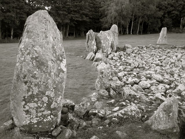 Loanhead of Daviot: stone circle