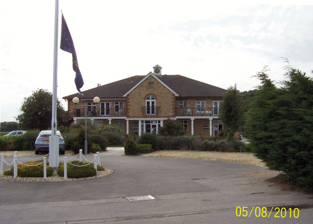 Driveway of the golf club at Lee-on-the-Solent