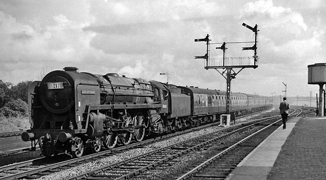 Special 'Illuminations' Express to Blackpool, at Kirkham & Wesham Station