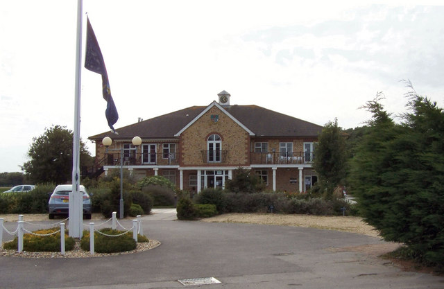 Drive way of the golf club at Lee-on-the-Solent