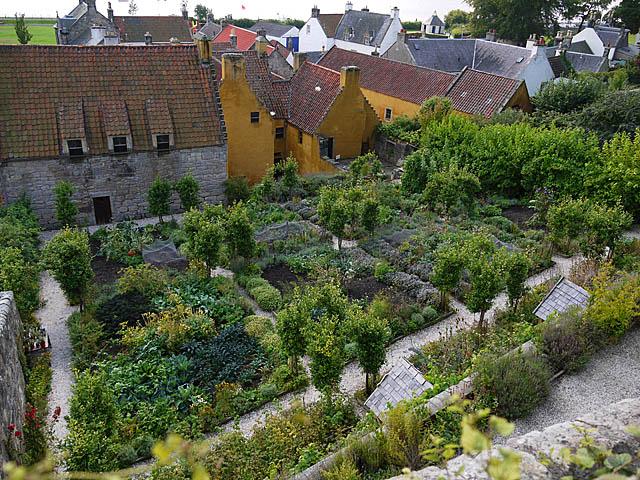 Culross, The Palace Garden