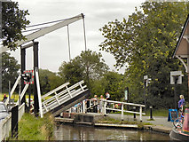 SJ5848 : Llangollen Canal, Wrenbury Bridge by David Dixon