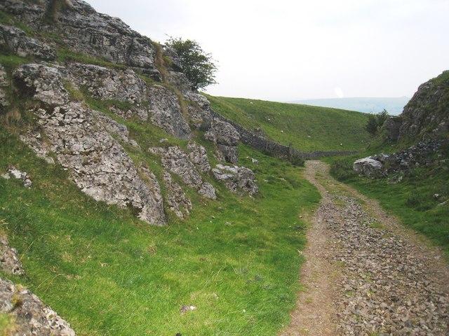 Rock outcrops near Cave Dale