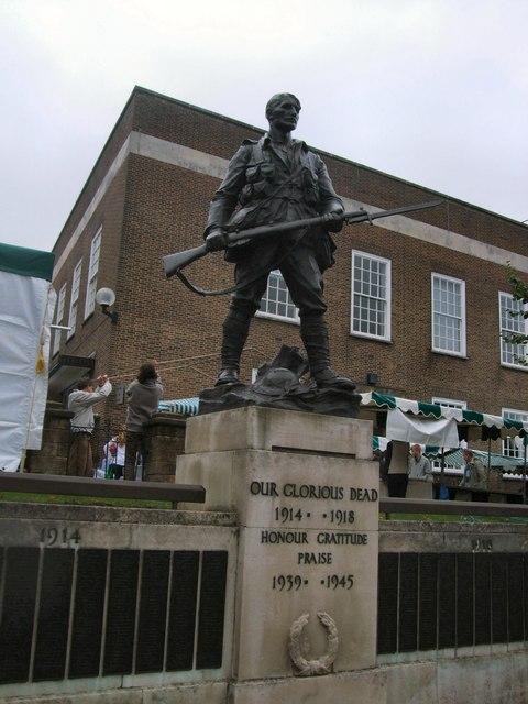 War Memorial - Tunbridge Wells by Paul Gillett