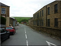 SD9311 : Two Bridges Road, Newhey by Ian S