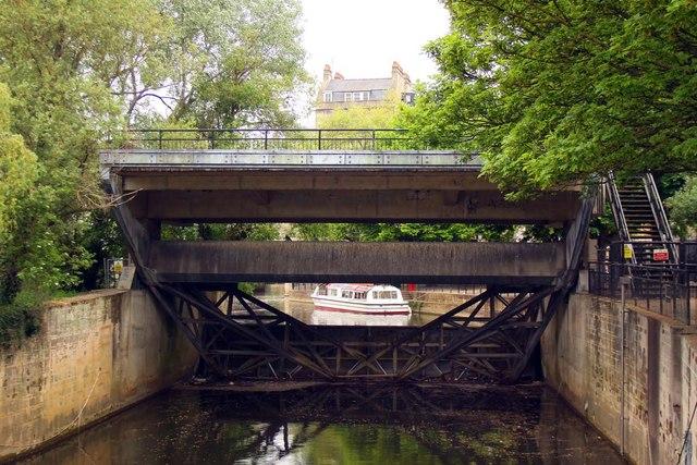 Weir sluice on the River Avon