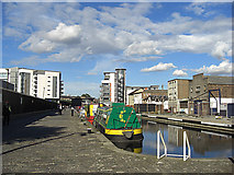 NT2472 : Lochrin Basin, Union Canal, Edinburgh by michael ely