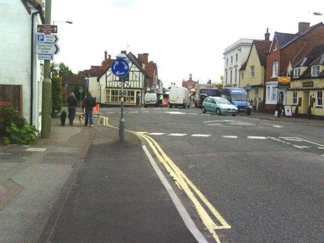 Thame centre closed to traffic for the fair