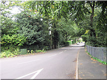 SJ8959 : Looking up Grange Road by Jonathan Kington