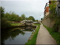 SE2833 : Walking along the Leeds to Liverpool Canal #19 by Ian S