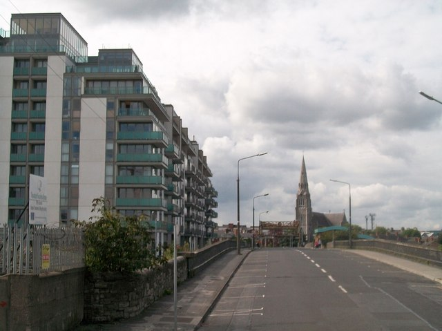 Dublin3とDublin1 の間付近にある道『sheriff street upper 』の様子