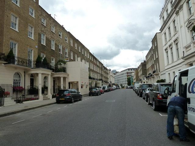 An August morning in Lower Belgrave Street