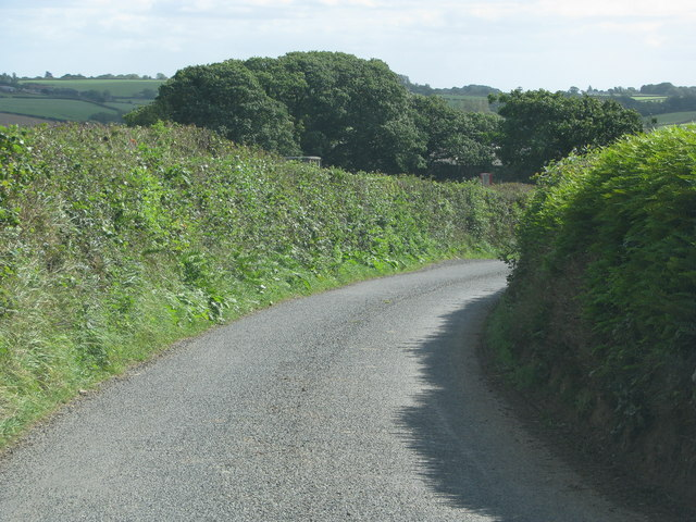 Bend in the road north of Dendridge Farm