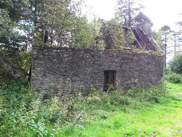 Ruined building at Tawnaghlaghan