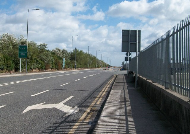 Alexandra Road Extension from the eastern end of Alexandra Road
