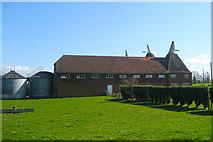 TQ8440 : The New Oast, Lashenden Farm, Headcorn Road, Biddenden, Kent by Oast House Archive