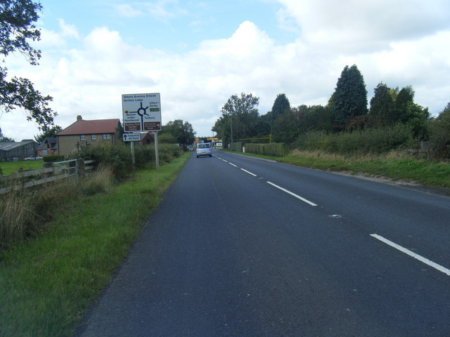 B5017 approaching Needwood roundabout