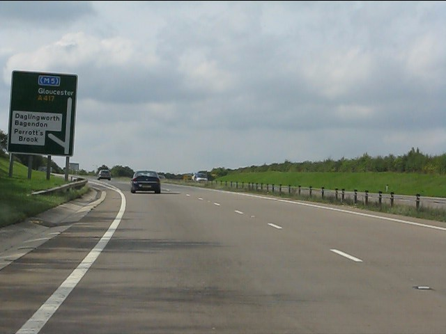 A417 approaching Quarry Junction