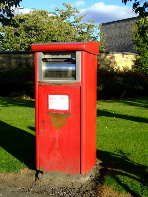 Postbox at Huntly Road