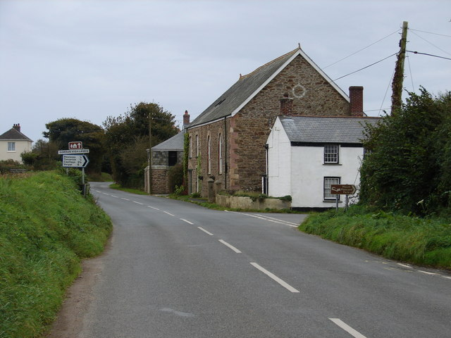 Road junction at Gorran High Lanes