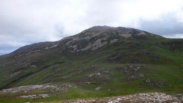 Overlooking the saddle between Am Mam and Beinn Bheigier