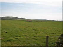 SH2035 : Field barn at Ty-mawr, Penllech by Eric Jones