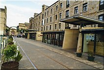 NT2676 : Commercial Quay, Leith, in 1998 by David Gearing