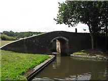 SO8690 : Hinksford Lock Bridge (No 39), Staffs and Worcs Canal by Richard Rogerson