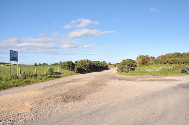 Junction of the farm road to Corskie