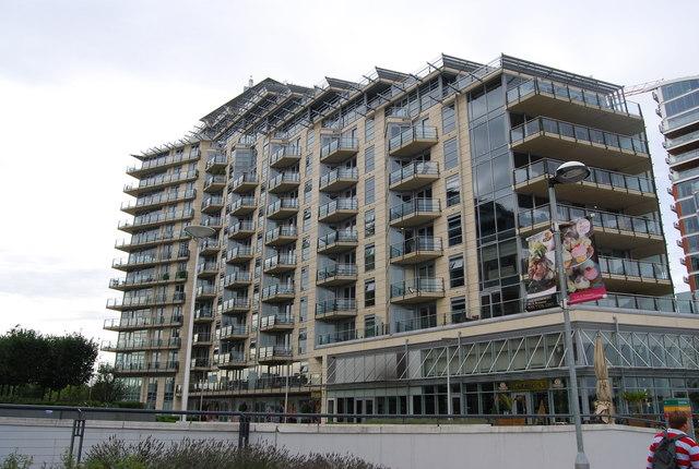 Battersea Reach: Baltimore House