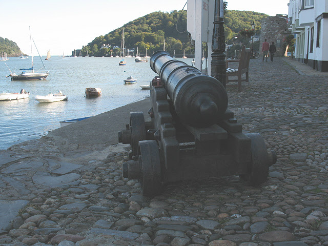 Cannon pointing down the Dart
