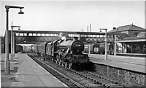 TQ2182 : Willesden Junction Station (Main Line), with Up express by Ben Brooksbank
