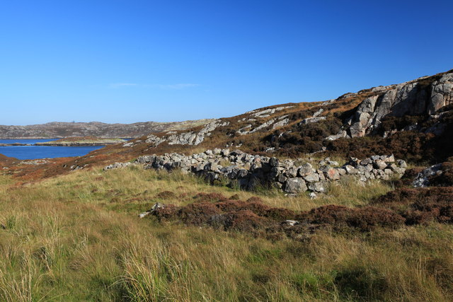 Ruined shieling by Caol Rona
