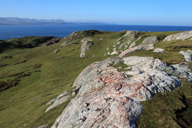 Rock outcrops on Eilean Tigh