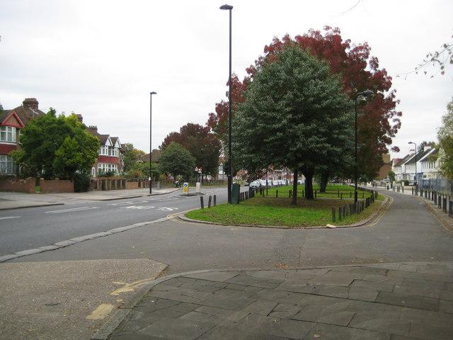 East Acton Lane C Nigel Cox Cc By Sa 20 Geograph