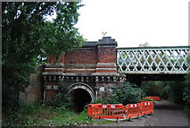 TQ1977 : The Thames Path goes under Kew Railway Bridge by N Chadwick