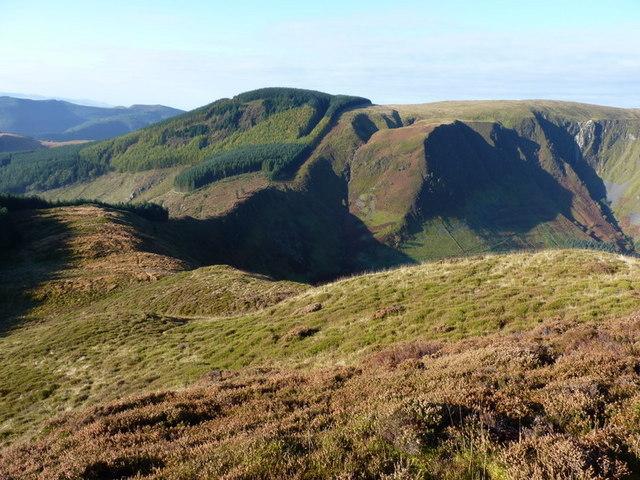 The SW ridge of Foel Dinas