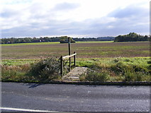 TM2766 : Footpath to the B1116 Dennington Road & A1120 Button's Hill by Adrian Cable