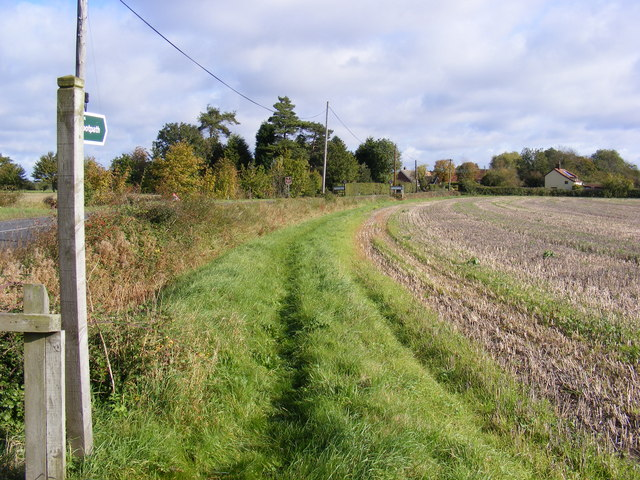 Footpath to the B1116 Dennington Road & A1120 Button's Hill