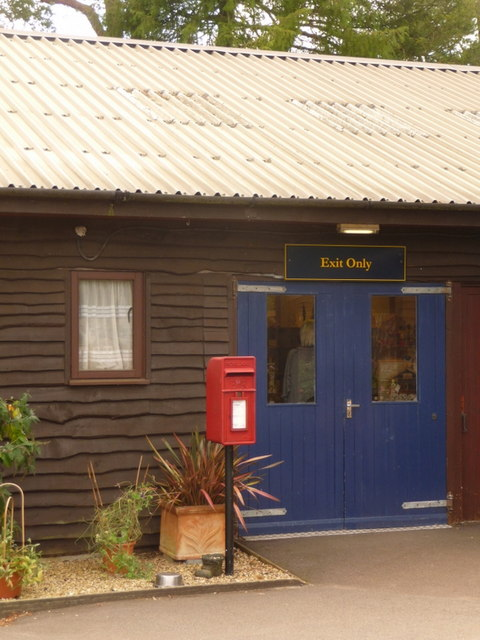 Exbury: postbox № SO45 340, Exbury Gardens by Chris Downer