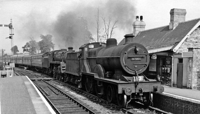 Midsomer Norton South Station, with Down express