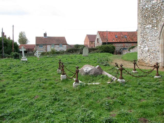 All Saints' church in Bircham Newton - churchyard