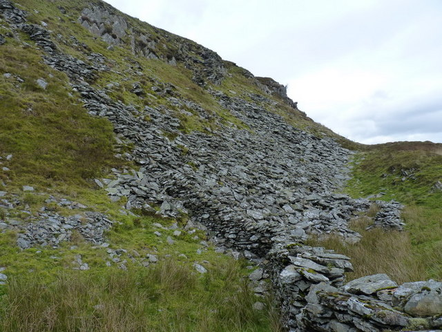 Rock outcrop on the south side of Foel Benddin