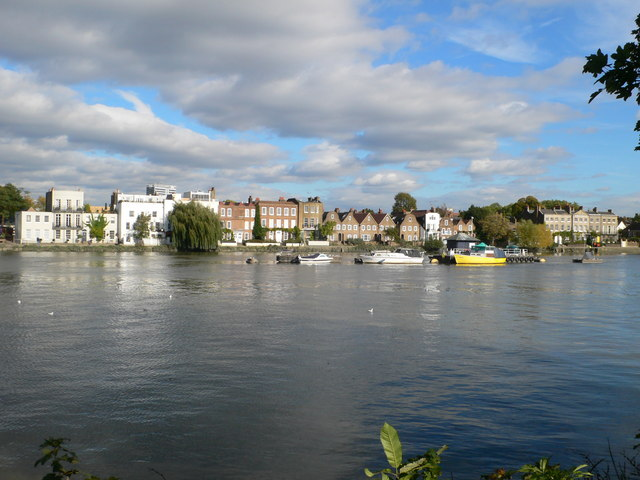 Attractive riverside houses at Strand on the Green