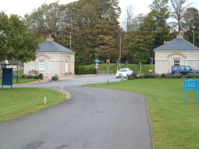 Gatehouses at Cams Hill