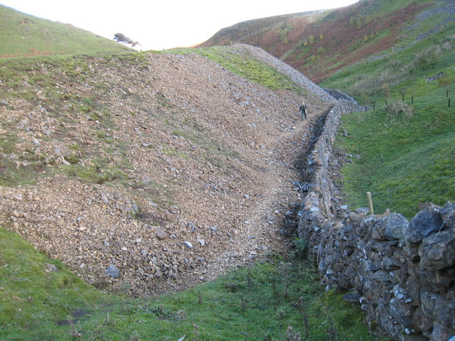 Boundary wall in Fore Gill by Philip Barker