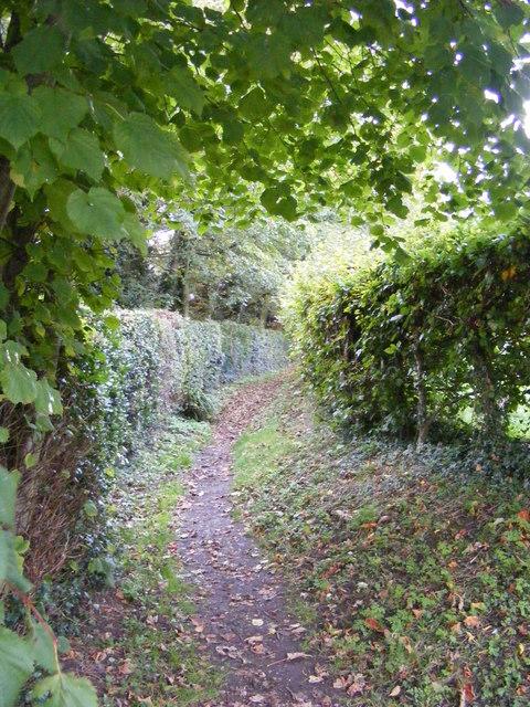 Footpath to Tiggins Lane