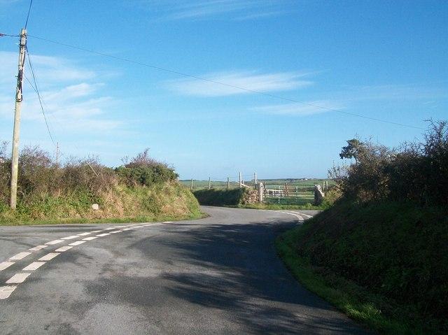 Cyll-y-Felin crossroads
