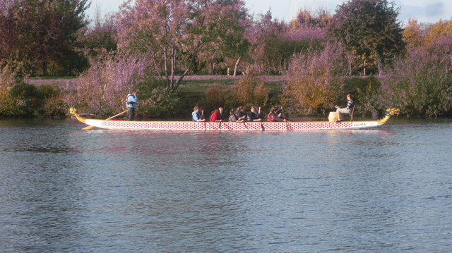 Dragon Boat seen from Ferry Road